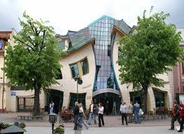 crooked house sevärdheter Sopot attraktioner